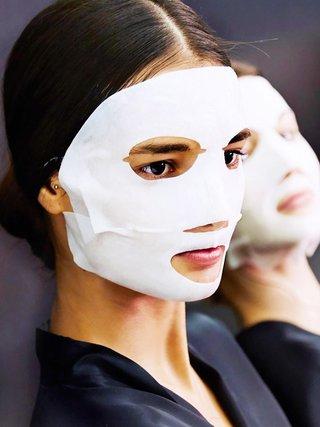 Rituál péče o pleť za použití masky